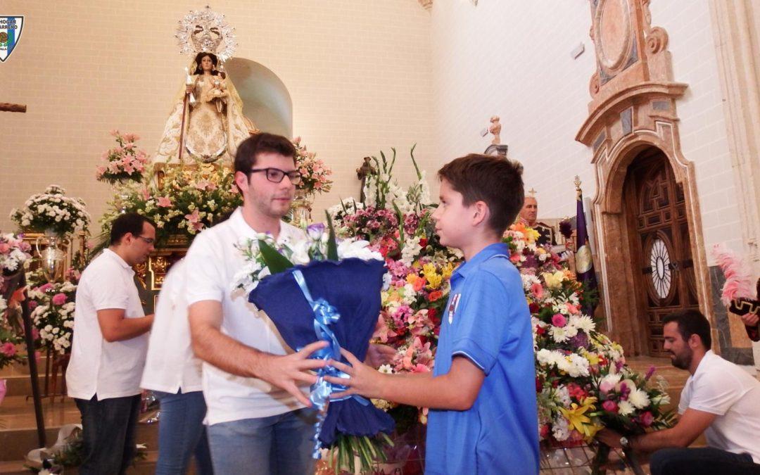 EL CANTERANO VÍCTOR BLASCO REPRESENTA ALHOGAR ALCARREÑO, EN LA OFRENDA FLORAL A LAVIRGEN DE LA ANTIGUA
