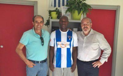 Abass firma su renovación con el Hogar Alcarreño