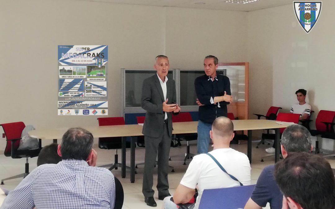 """Presentación del Campus """"SuperMegacracks"""" a cargo de Jesus Romera y Carlos Terrazas."""
