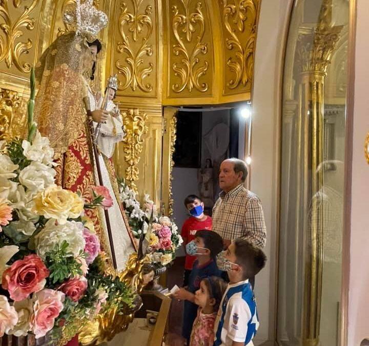 Ofrenda a la Virgen de la Antigua patrona de Guadalajara por su gran merecido ascenso a tercera división!! Aupa hogar!!!